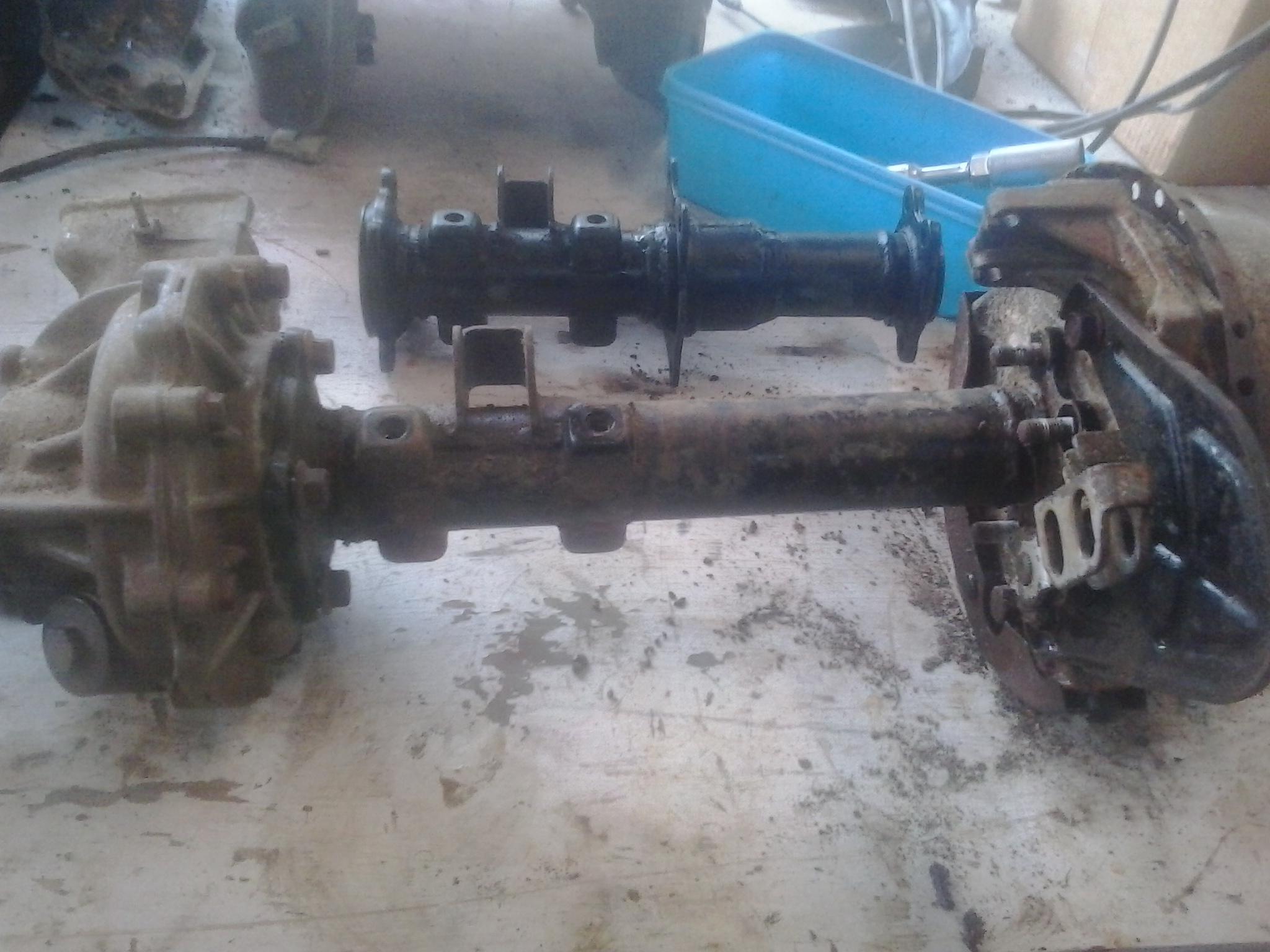 300 rear end modifaction-002.jpg